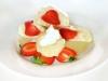 Kynuté jahodové knedlíky s tvarohovou zmrzlinou a horkým máslem