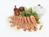 Salmon Tataki - Lehce grilovaný skotský losos (rare) s rukolovým salátkem, cherry rajčátky, sezamovým dresinkem, podáván s jasmínovou rýží