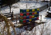 Pestrobarevné domečky Rokytnických včeliček