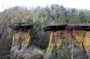 Mšenské pokličky, skalní útvary nedaleko Mělníka
