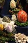 Na obrázku jsou kraslice na Drážďanském velikonočním veletrhu