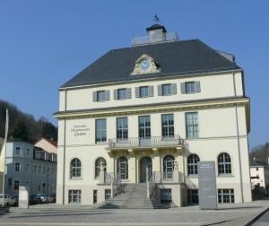 Budova muzea hodin v německém Glashuette