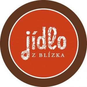 """logo gastronomického festivalu """"Jídlo z blízka - kruh znázorňující talíř s textem jídlo z blízka"""