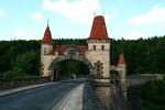 Pohádková stavba přehrady Les Království nedalejo Dvora Králové nad Labem