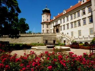 Zahrada zámku Mníšek pod Brdy