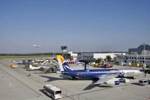 letecký den v Drážďanech awacs na obrázku plocha letiště