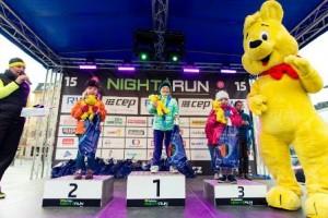 Děti na stupních vítězů závodu Night run v Praze