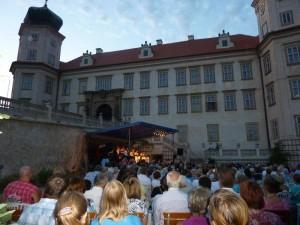 koncertní pódium na zámku Mníšek
