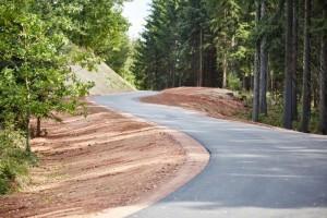 pohled na novou cyklostezku na vrchu Houska u Trutnova