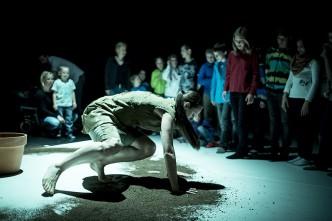 Děti na představení v divadle Ponec