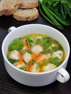 kuřecí polévka s knedlíčky foto k receptu na podzimní polévky