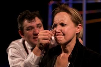 foto herců z divadelní inscenace v divadle v Celetné Izolovat ale zachovat