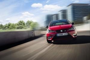 červený automobil SEAT Ibiza CUPRA