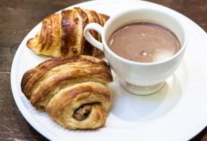 croissant a čokoláda