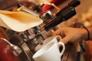 článek o pití kávy v práci a v severských zemích