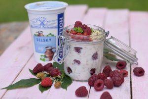 Zdravá snídaně: jogurt se semínky