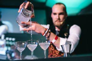 Prague Bar Show. Barman na festivalu